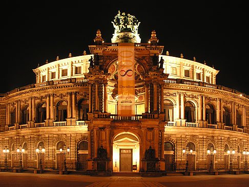 Fotos Semperoper bei Nacht